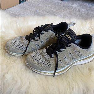 APL Techloom Pro Metallic Sneakers
